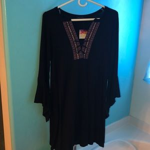 Dress with embroidered V-neck - last 2!
